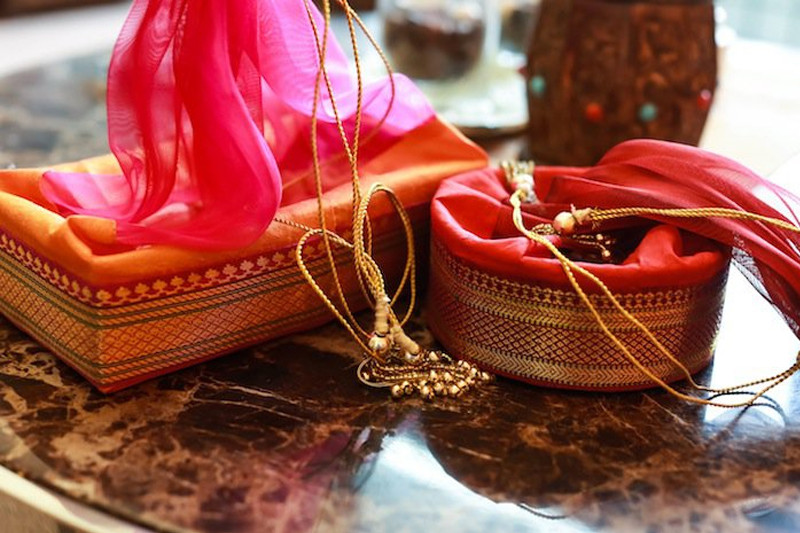 10 Legit Diwali Gift ideas that Brings Smile Worth Noticing