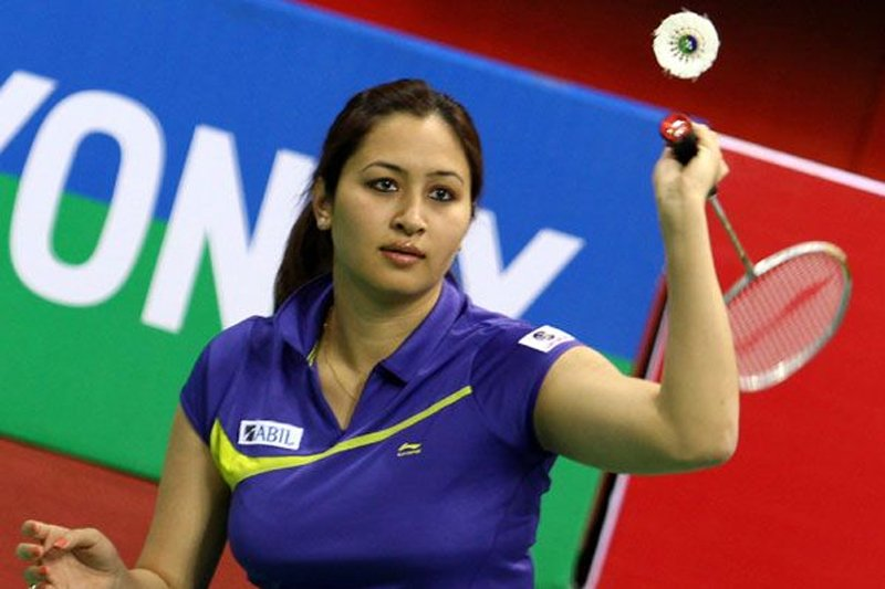 jwala gutta playing badminton