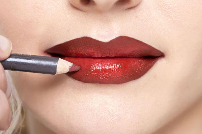 Bring Your Best POUT with Lip Contouring